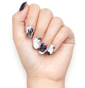 Printed-nail-polish
