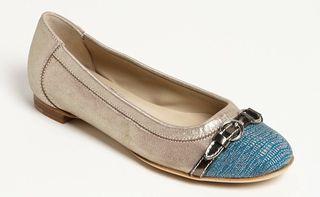 Comfortable-stylish-grey-flat