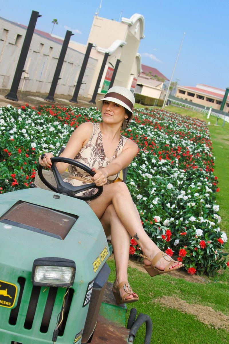 Del-mar-flowers-fashion