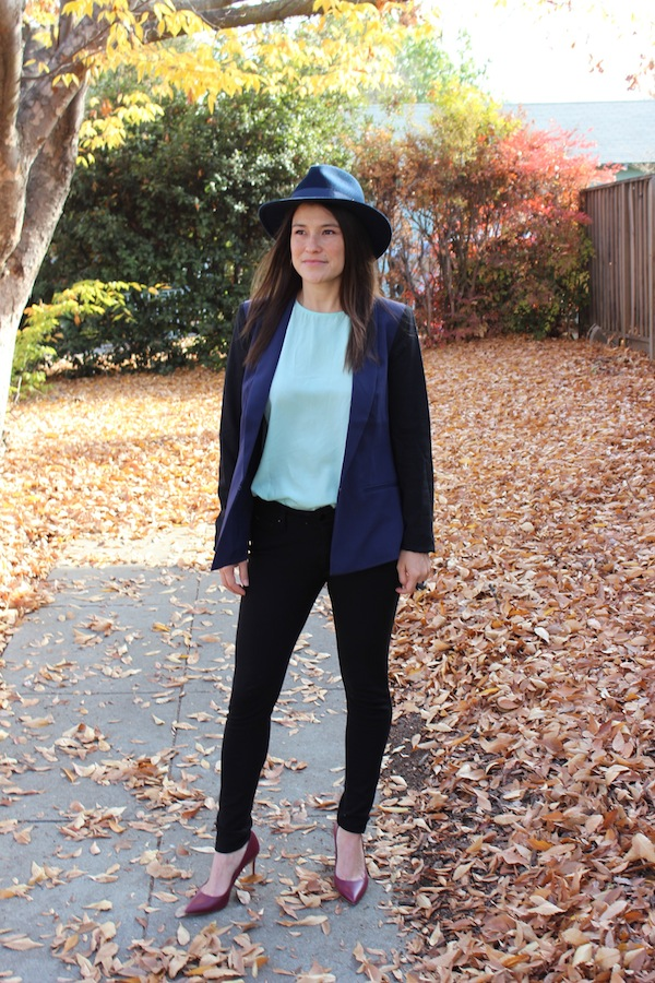 How-to-wear-black-and-navy