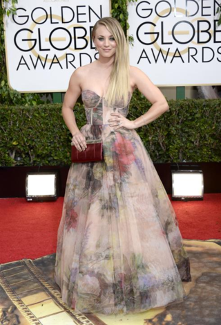 Kaley-cuoco-watercolor-gown-golden-globes