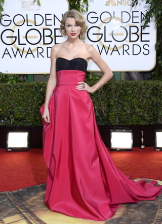 Taylor-swift-in-carolina-herrera-golden-globes-2014
